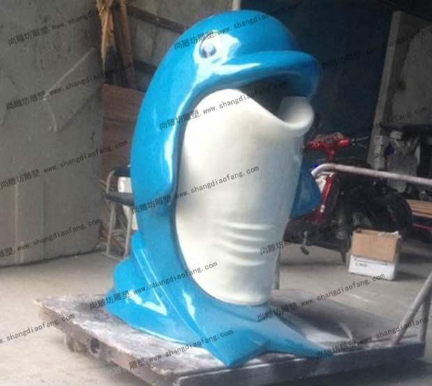 玻璃钢垃圾桶海豚款式一侧面